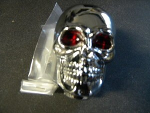 Chrome Skull - red eye Gear Knob