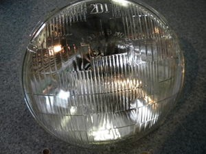 "7 "" Sealed Beam 12v headlamp 1940 and Up"